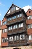 Forntida och moderna hus Royaltyfria Bilder