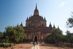 Forntida pagod, Bagan stad, Myanmar Arkivbild
