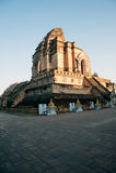 Forntida pagod i Wat Chedi Luang, Chiang Mai, Thailand Arkivbilder