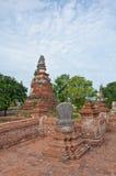 Forntida pagoda i förstört gammalt tempel Arkivbild