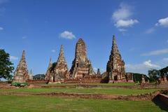 Forntida pagoda och blå sky Arkivbilder
