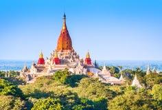 Forntida pagoder i Bagan Arkivfoton