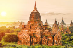 Forntida pagoder i Bagan Royaltyfria Bilder
