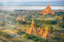 Forntida pagoder i Bagan Arkivbilder