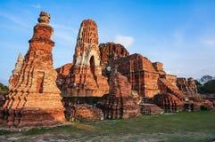 Forntida pagodstaty i Ayutthaya, Thailand Fotografering för Bildbyråer