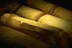 forntida parchmentscroll Royaltyfria Bilder