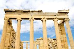 Forntida Parthenon i Acropolis Arkivfoto