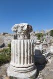 Forntida pelare från den Kos ön i Grekland Arkivbild