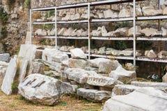 Forntida reliker i Aten, Grekland Arkivfoton