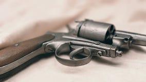 Forntida revolver gammal tryckspruta Royaltyfri Fotografi