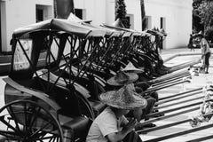 Forntida rickshaw i Thailand royaltyfri bild