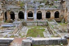 forntida roman corinth springbrunn royaltyfria foton