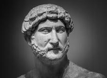Forntida roman skulptur av kejsaren Hadrian arkivfoton