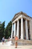 Forntida Roman Temple av kejsaren Augustus i Pula - Kroatien Fotografering för Bildbyråer