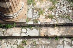 Forntida Rome fördärvar den Roman Forum Stairway closeupen Royaltyfri Fotografi