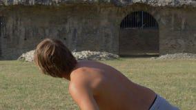 Forntida Rome femkampkastspjut som kastar ultrarapid lager videofilmer