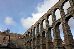 Forntida romersk akvedukt i Segovia, Spanien Arkivfoton
