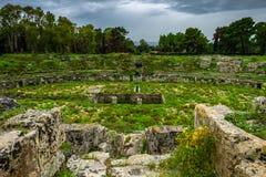 Forntida romersk arena för gladiatorkamper i Syracuse royaltyfri bild