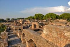 Forntida rumänsk stad - Ostia Antica Arkivfoto