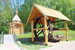 Forntida ryskt trähus Royaltyfri Fotografi