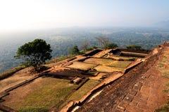 Forntida Sigiriya vaggar fästningen i Sri Lanka arkivbilder