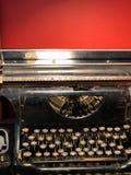 forntida skrivmaskin royaltyfria bilder