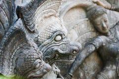Forntida skulpturorm i Thailand Arkivbilder