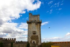 Forntida slott av Beja, sky. Portugal Arkivfoton