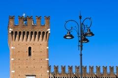 Forntida slott i nordliga Italien Royaltyfri Fotografi