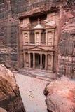 forntida sniden kassa för rock för stadsjordan ut petra jordan petra royaltyfria bilder