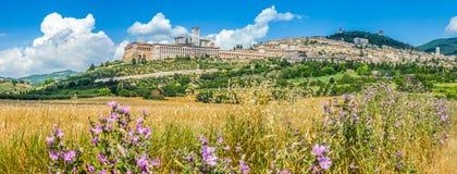 Forntida stad av Assisi, Umbria, Italien royaltyfri bild