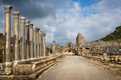 Forntida stad av Perge arkivfoton
