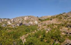 Forntida stad i grottorna av Khndzoresk royaltyfri bild