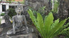 Forntida staty av personmassagen Royaltyfri Foto