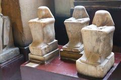 Forntida statyer i det egyptiska museet Egypten Fotografering för Bildbyråer