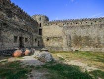 Forntida stena väggen av fortet arkivfoto