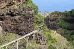 Forntida stenakvedukt, stad av Los Realejos, Tenerife, Spanien royaltyfri foto