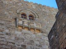 Forntida stenhuggeriarbete, kyrka av Kristi födelsen, Betlehem fotografering för bildbyråer