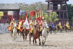 Forntida stilhästshow på Hengdian världsstudior, Kina Arkivbild