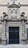 Forntida stor byggnad i den spanska staden Zangoza Royaltyfria Foton