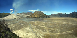 forntida stor spjällåda indonesia inom vulkan Arkivbilder
