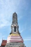 Forntida stupa i tempel av Thailand Fotografering för Bildbyråer