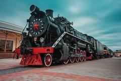 Forntida svart lokomotiv Royaltyfri Fotografi