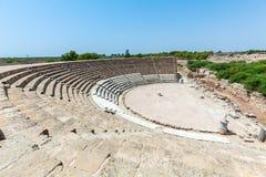 Forntida teater av salamier nära Famagusta Royaltyfri Fotografi