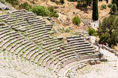 Forntida teater i Delfi, Grekland Arkivbild