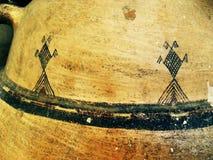 Forntida teckningar på poterry maharka Algeriet Royaltyfri Bild