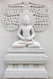 Forntida tegelsten som snider konst av Buddha Royaltyfria Bilder