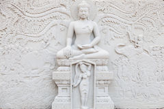 Forntida tegelsten som snider konst av Buddha Royaltyfri Foto