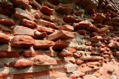 forntida tegelstenvägg Arkivbilder