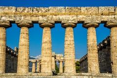 Forntida tempel av Hera i Paestum Italien Arkivbild